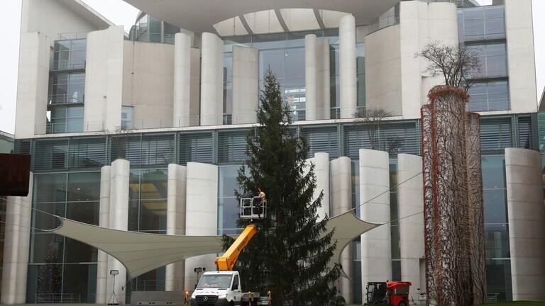 ألمانيا تسجل وفيات قياسية بكورونا قبيل محادثات بشأن القيود في عيد الميلاد
