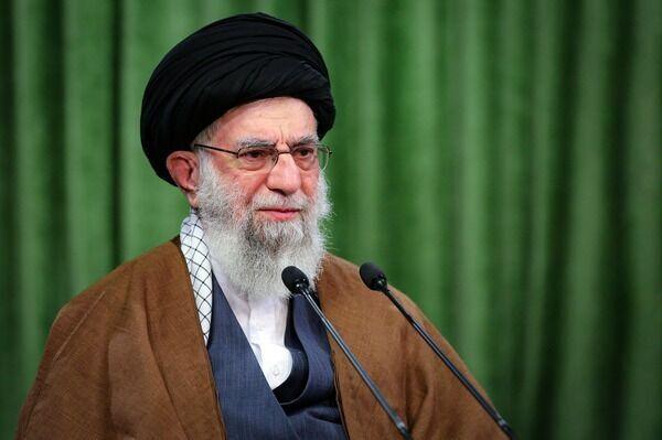 سماحة قائد الثورة الاسلامية يؤكد على محاسبة الضالعين في جريمة اغتيال الشهيد فخري زاده