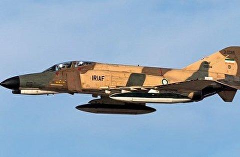 قاذفات سلاح الجو الايراني تدمر الاهداف الافتراضية للاعداء في مناورات