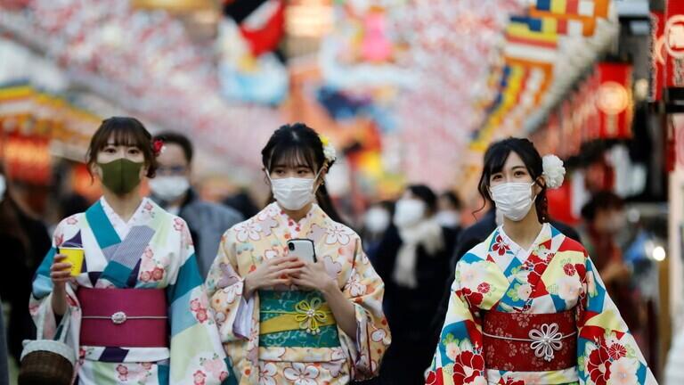 اليابان تعلن ازدياد صعوبة تقديم الرعاية الصحية بسبب ارتفاع إصابات كورونا