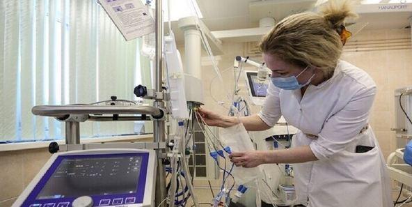 استطلاع الرأي: أطباء الفيروسات ورجال الطوارئ هم أبطال عام 2020