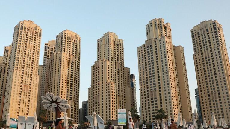 الإمارات تمدد التأشيرات لكافة السياح لمدة شهر إضافي