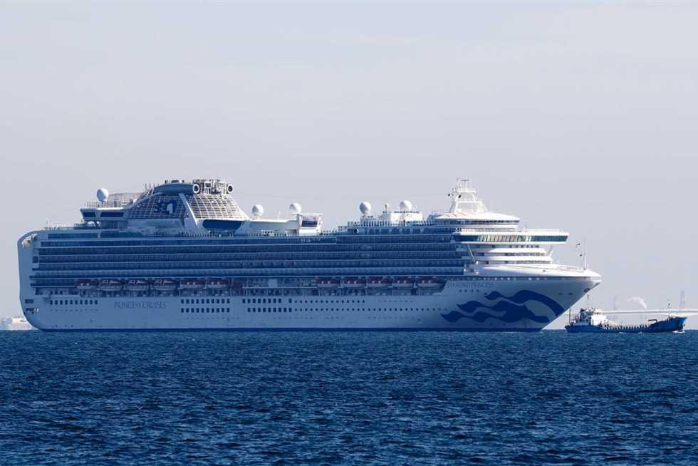 ارتفاع عدد الإصابات بكورونا على متن السفينة