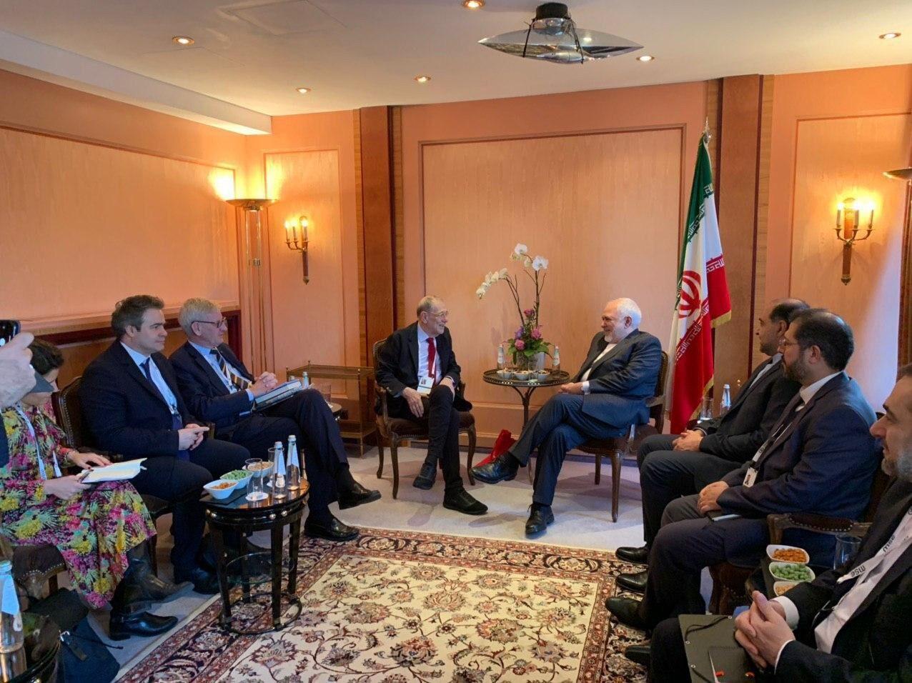 ظريف يلتقي اعضاء لجنة العلاقات الخارجية في الاتحاد الاوروبي