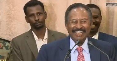 بومبيو يعد حمدوك بالمساعدة فى رفع اسم السودان من قائمة الإرهاب