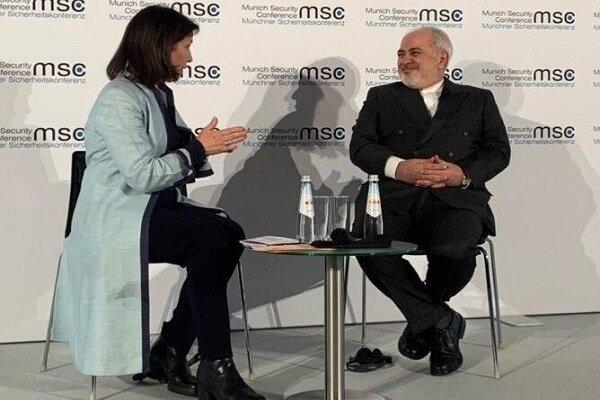 ظريف: تلقينا رسالة من السعودية بشان رغبتها في الحوار مع ايران..وكان ردنا إيجابي