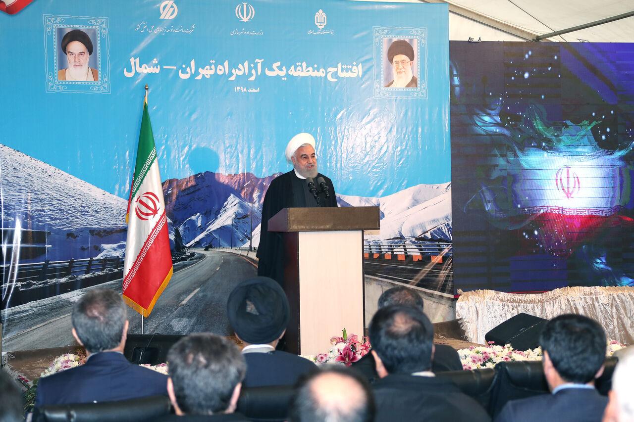 روحاني : الحظر لم يثننا عن انشاء طريق الشمال السريع