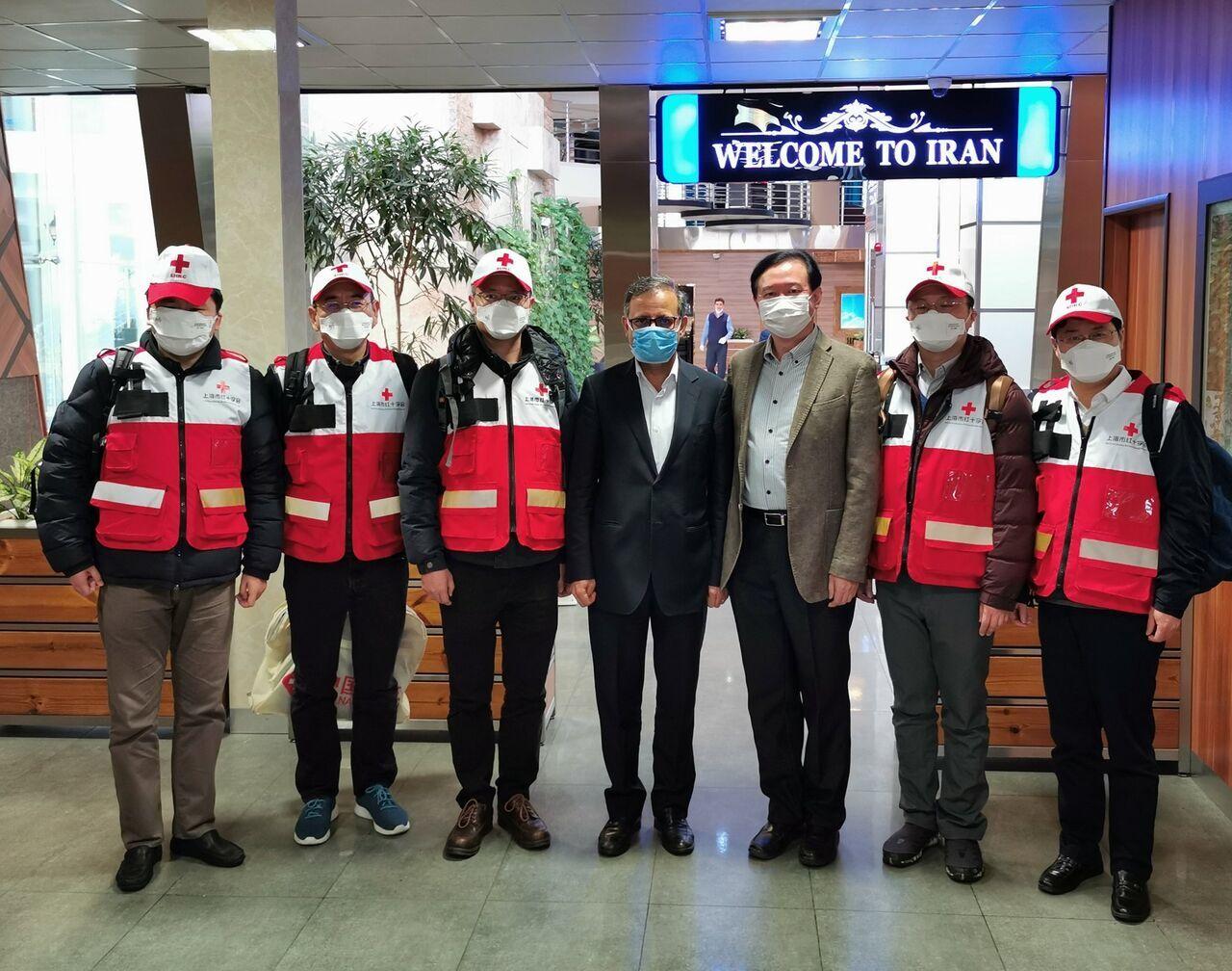 فريق طبى صيني مع المساعدات يصل الى طهران