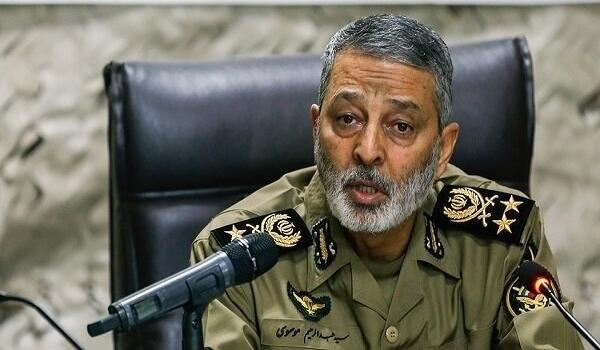 قائد الجيش الايراني: الكادر الطبي أثبت لياقته في صيانة صحة المواطنين