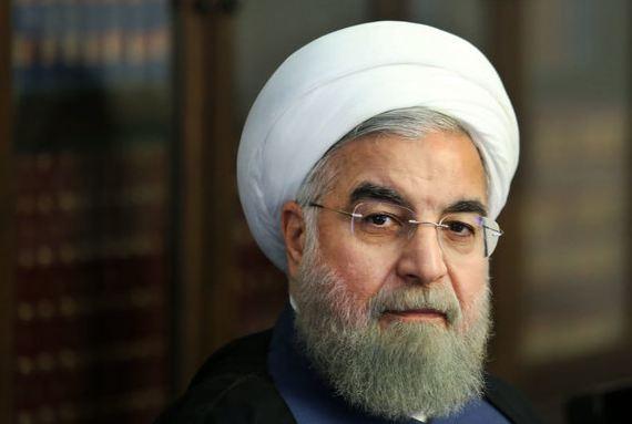 الرئيس روحاني: جهود وتضحيات الكوادر الطبية ستبقى خالدة في أذهان الشعب الإيراني