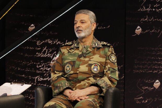 الجيش الايراني يطلق مناورة الدفاع البيولوجي لإنشاء 300 مركز علاجي