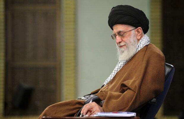 قائد الثورة الاسلامية يفتي بعدم جواز السفر في أيام تفشي كورونا المستجد