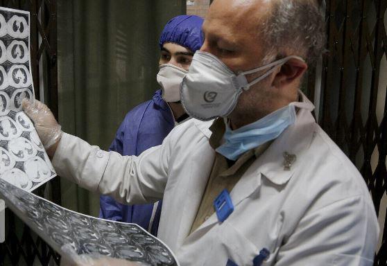 صناعة جهاز مراقبة صحية وتنفس صناعي لمرضى كورونا