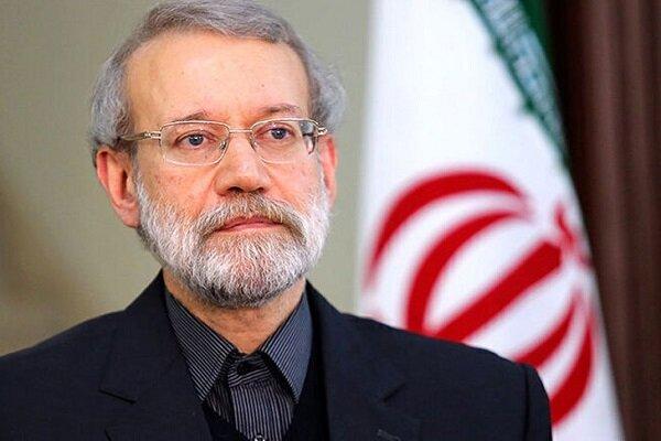 لاريجاني: رجال الجيش الايراني بتجسيدهم العزة والكرامة أبطلوا مفعول مؤامرات الأعداء