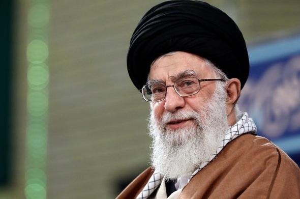 قائد الثورة يوافق على طلب الحكومة الإيرانية بسحب مبلغ مليار يورو من صندق التنمية الوطنية