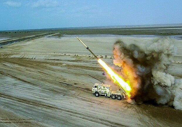 الحرس الثوري يطلق صواريخ بالستية من أعماق الارض بشكل مستتر تماماً