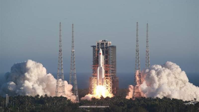 الصين تطلق قمرا صناعيا لدراسة البيئة الفضائية