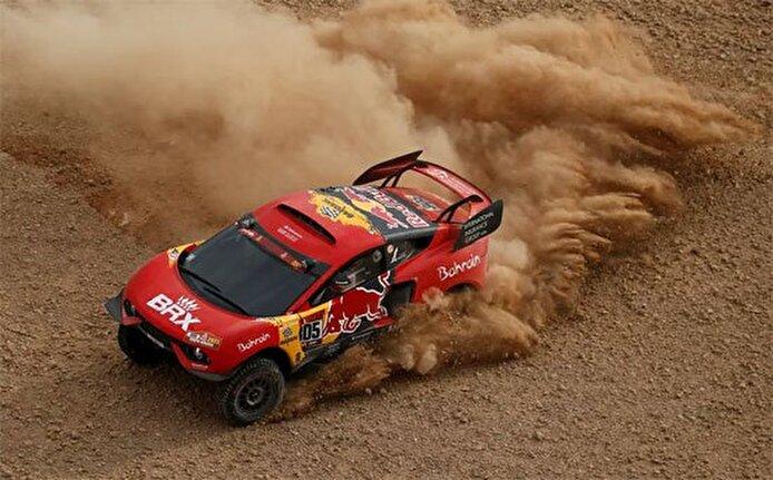 مغامرات فى جبال وعرة... فعاليات رالى دكار لسباق السيارات فى السعودية