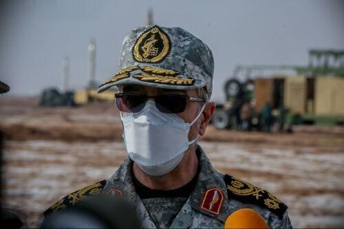 اللواء باقري: تحليق طائرات B-52 الأمريكية في المنطقة ليس له قيمة عسكرية