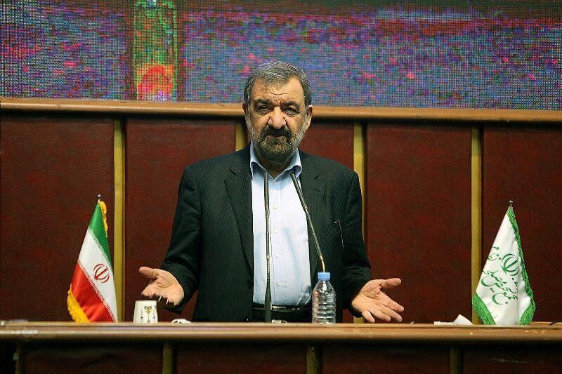 رضائي: بإمكان إيران أن تشارك بشكل فعال في إعادة إعمار أذربيجان