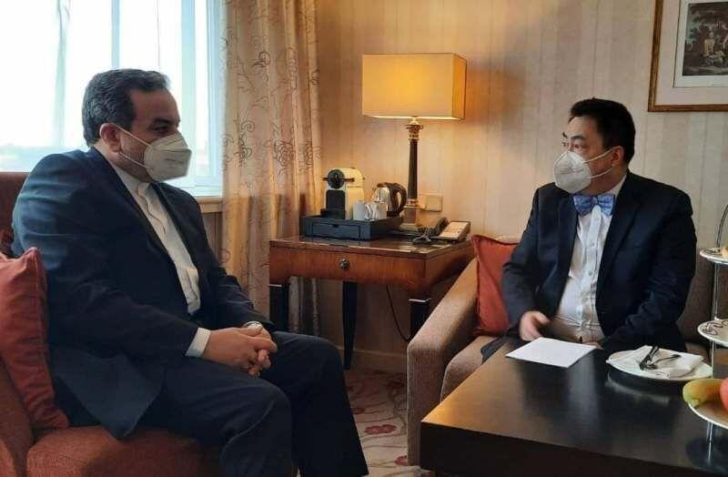 عراقجي يلتقي رئيس الوفد الصيني لمفاوضات اللجنة المشتركة