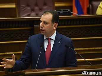 Armenian defense minister to visit Iran soon