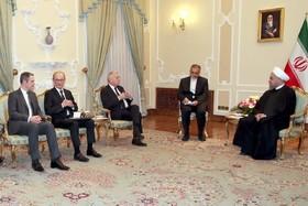 Iran hails improving Tehran-Paris ties, says Rouhani