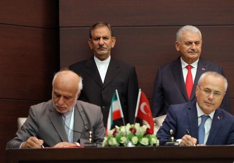 Iran, Turkey ink agreements in scientific, environmental fields