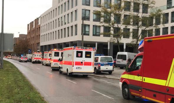 Knife-wielding man wounds five people in Munich