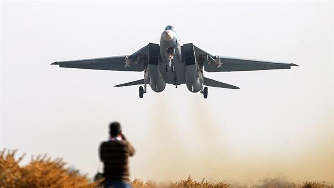 Iran fighter jets practice carpet-bombing amid drills