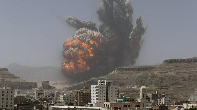 Saudi-led coalition bombs airport runway in Yemen's capital