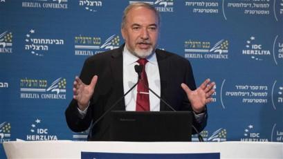 Israel calls on Arab states to befriend Israel, team up against Iran