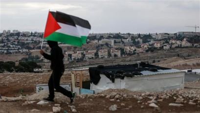 Israel okays budget for hiking trail through West Bank, Golan
