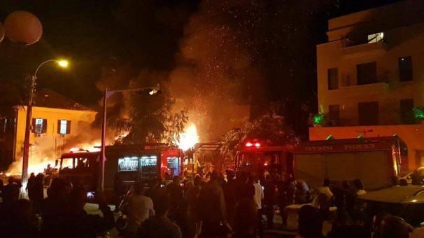 Explosion shakes Tel Aviv