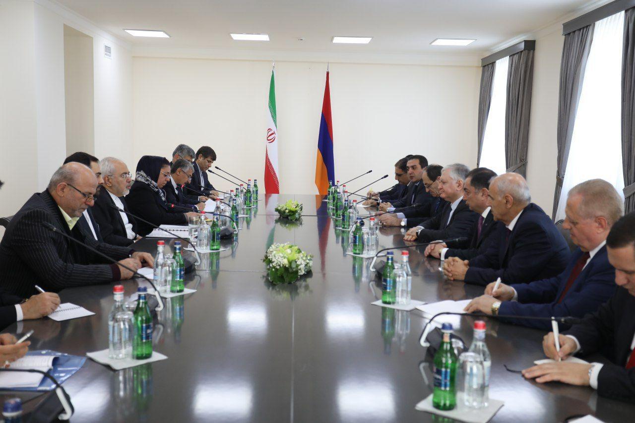 Iran's Zarif enters Armenia