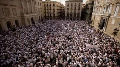 Spain: Thousands demand Catalan leaders' release