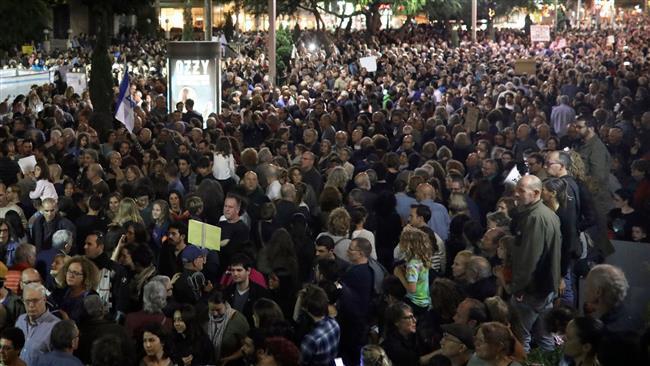Israelis protest against corruption-tainted Netanyahu in Tel Aviv