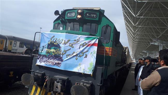 Pakistan fruit cargo opens corridor to Russia via Iran
