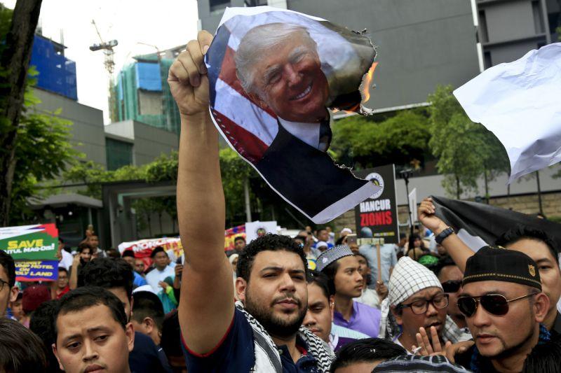 Malaysians, Indonesians protest Trump's Jerusalem move