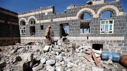 Yemenis condemn Saudi bombing of funeral