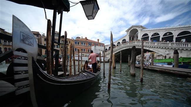 Italian police foil plot to blow up Rialto Bridge in Venice