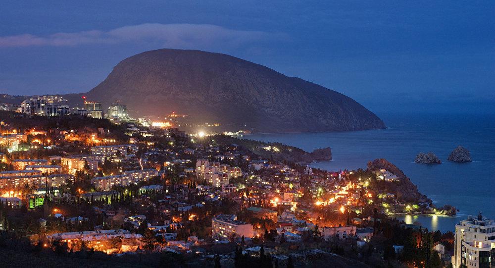 Delegation of Spanish lawmakers, businessmen arrives in Crimea