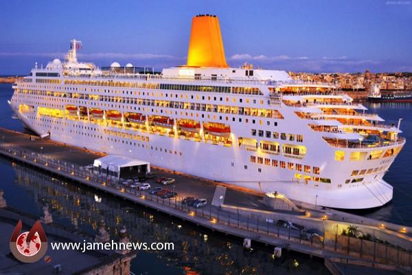 First ocean liner berths at Iran's Qeshm Island