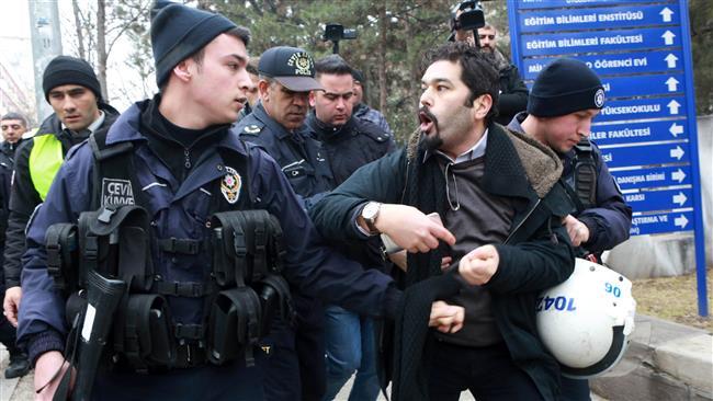 Turkey dismissals violating people's basic rights: UN