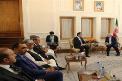 Iran, Pakistan discuss boosting bilateral ties