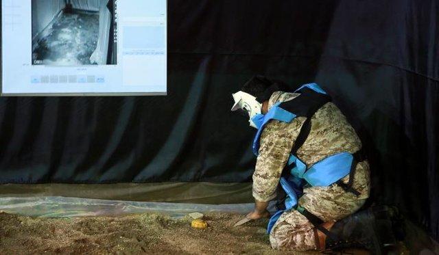 Iran unveils minefield stimulator