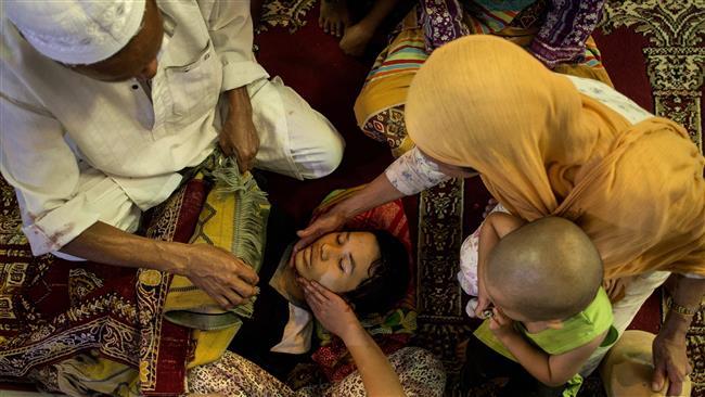 Daesh killing, enslaving civilians in Philippine city, officials say