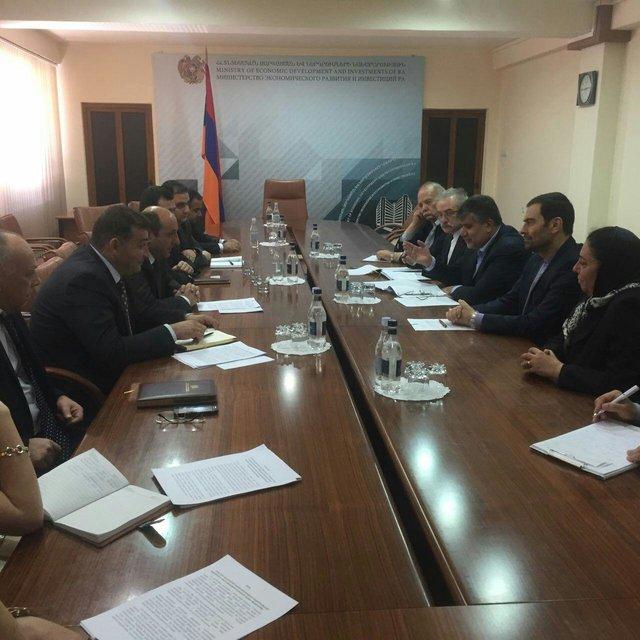 Iran, Armenia stress boosting bilateral economic ties