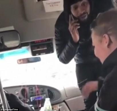 Australian woman insults Muslim bus passenger, slap driver
