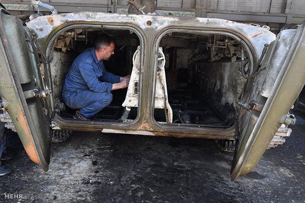 Repairing military equipment in Damascus
